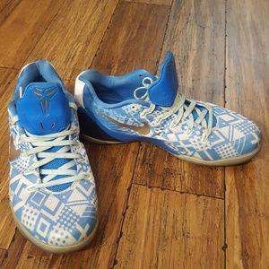 Nike Kobe IX EM 'Triple Crown' Sneakers